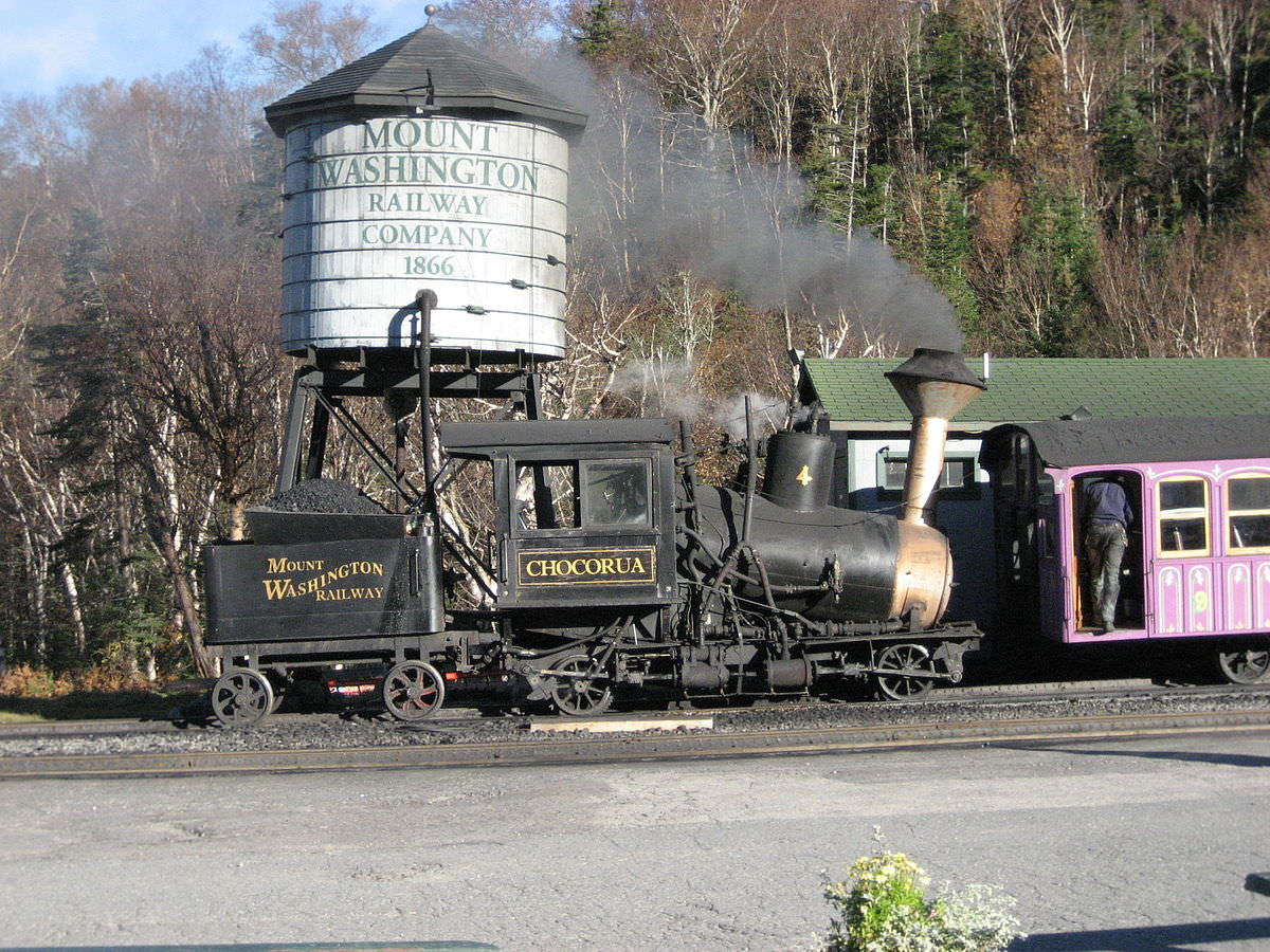 1200px-Mount_Washington_Cog_Railway_Chocorua